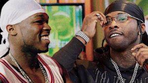 Pop Smoke et 50 Cent, deux rappeurs qui portent un durag
