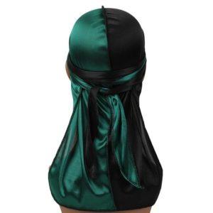 le durag de couleur verte conçu avec du polyester